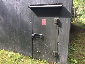Vad som gömmer sig bakom denna dörr vet jag inte, men fantasin skenar.