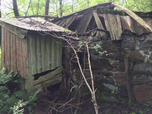 Det raserade huset vid stenindustrin